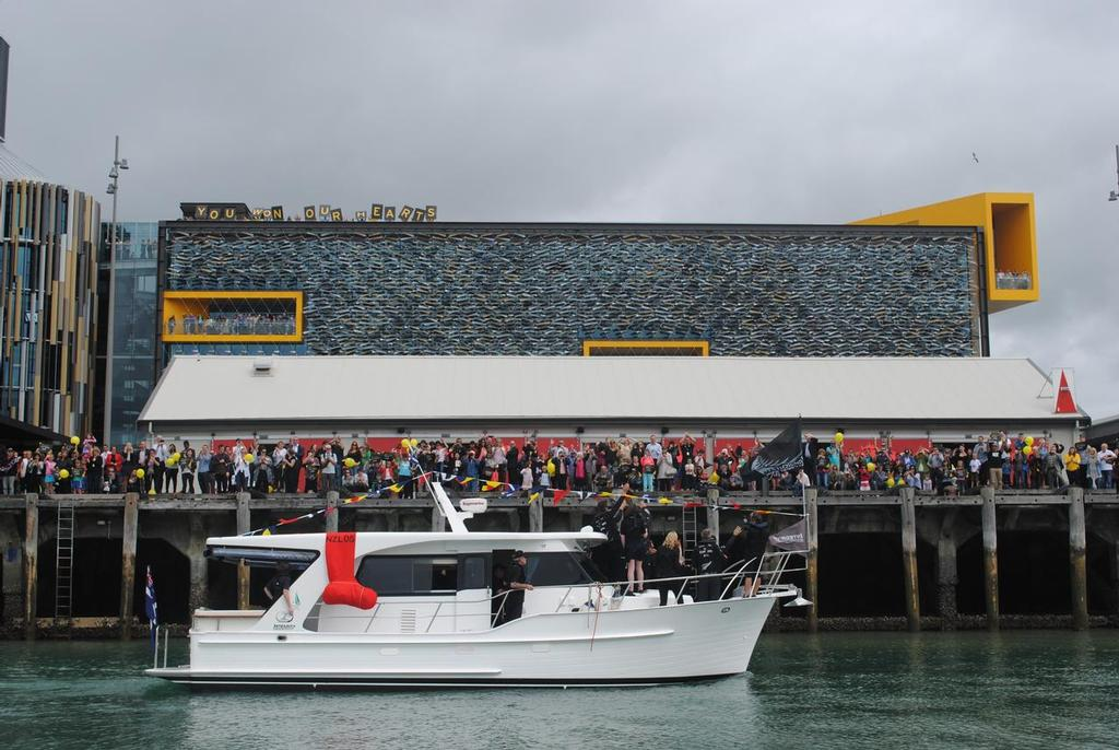 Integrity Motor Yachts 380 Sedan and Team New Zealand enjoy the Auckalnd crowds for the welcome home © Creating Demand