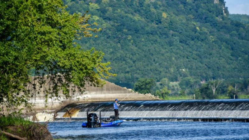 Mississippi River out of La Crosse - photo © FLW Fishing