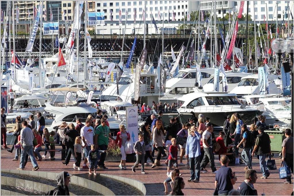 Sydney Boat Show crowds on the marina © BIA NSW